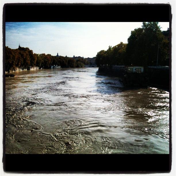 Piena Tevere Roma Ponte Milvio 2012