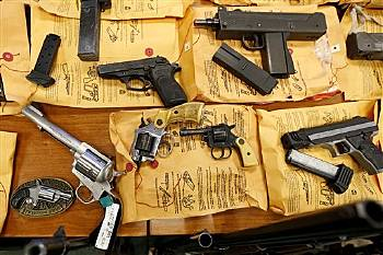 Contro la libera vendita delle armi negli Stati Uniti