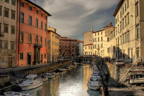 Livorno Accorpamento con Pisa