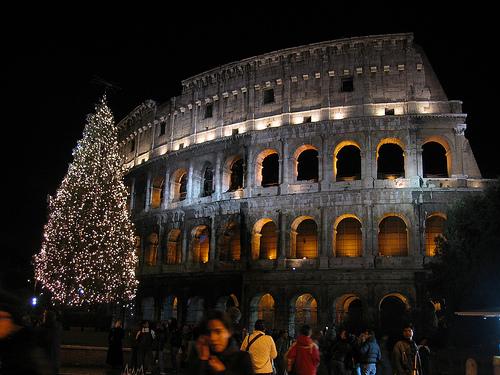 Natale torna la tradizione di Albero e Presepe