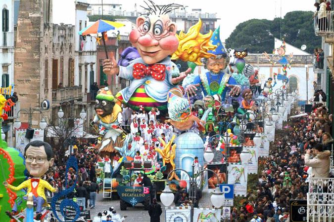 Carnevale di putignano 2013 date e programma urbanpost for Idee per carri di carnevale semplici